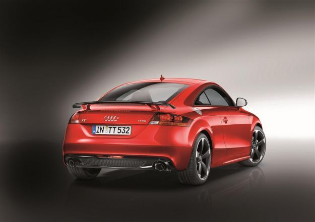 Audi TT Coupe' S Line Competition posteriore
