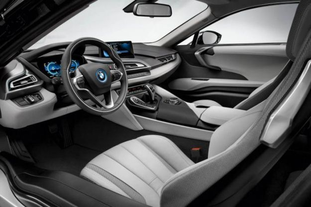 Bmw i8, interni