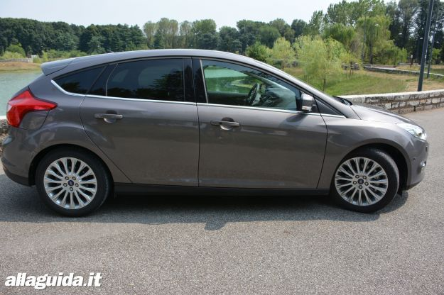 Dimensioni Ford Focus 5 porte