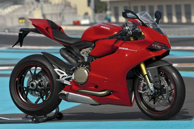 Ducati 1199 Panigale S MY 2013 Side 1