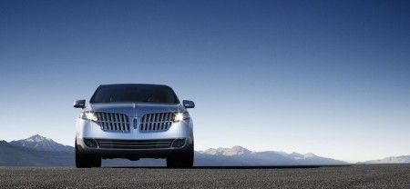 Lincoln MKT frontale
