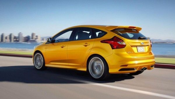 ford focus st posteriore hatchback 2