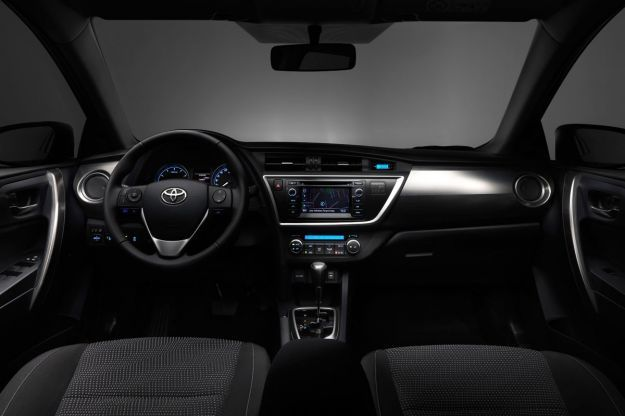 toyota auris touring sports plancia