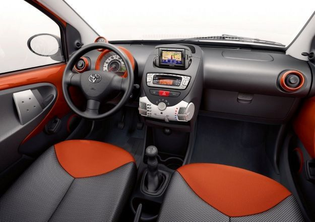 toyota aygo 2012 connect interni