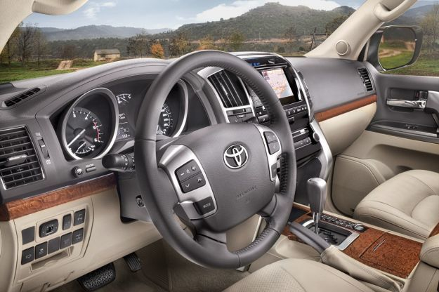 toyota land cruiser v8 my 2012 interni