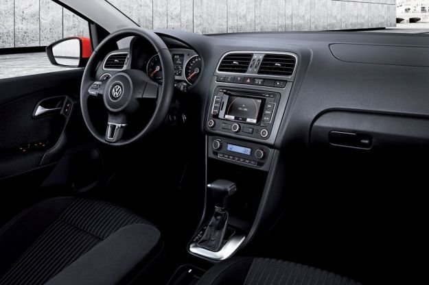 volkswagen polo prezzi e informazioni per tutte le versioni anche a gpl foto e video allaguida. Black Bedroom Furniture Sets. Home Design Ideas