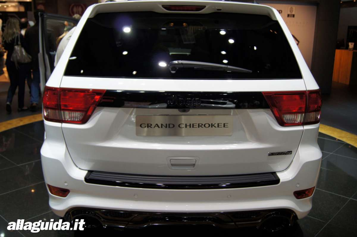 Jeep Grand Cherokee SRT-R, Salone di Parigi 2012 - 02