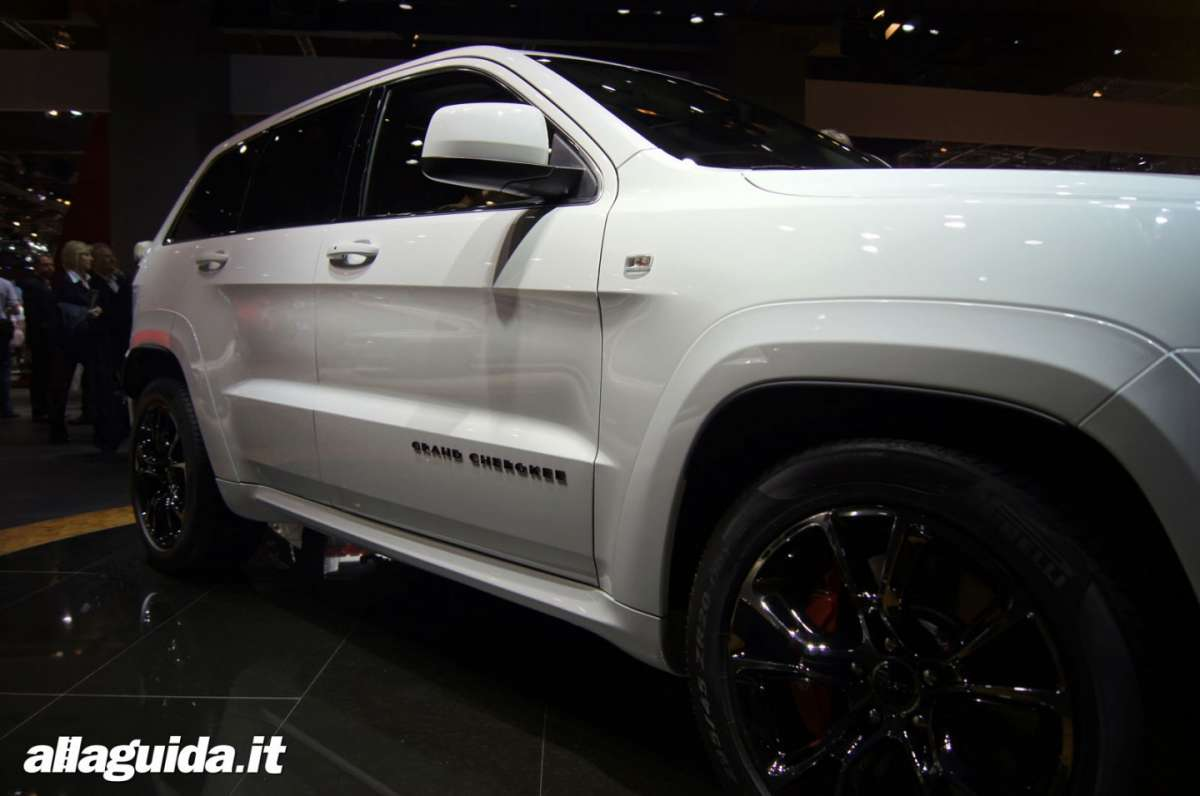 Jeep Grand Cherokee SRT-R, Salone di Parigi 2012 - 08