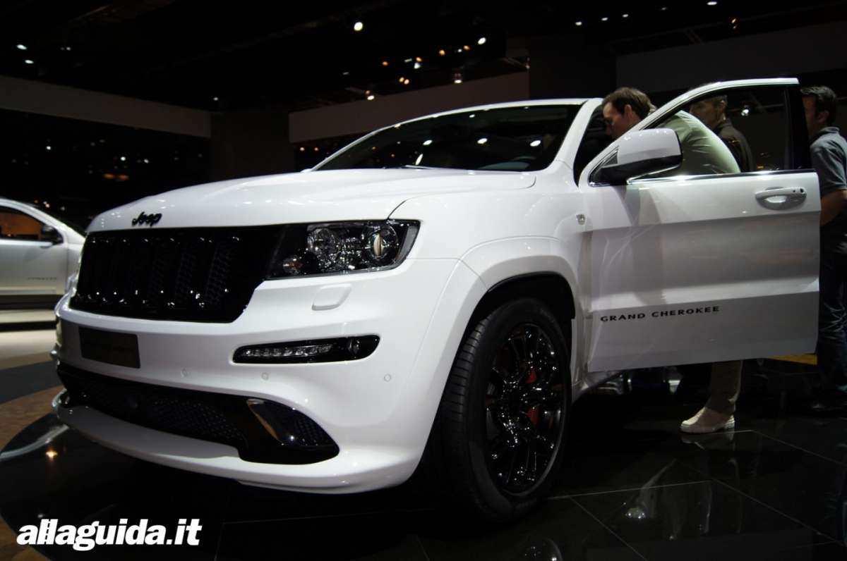 Jeep Grand Cherokee SRT-R, Salone di Parigi 2012 - 10
