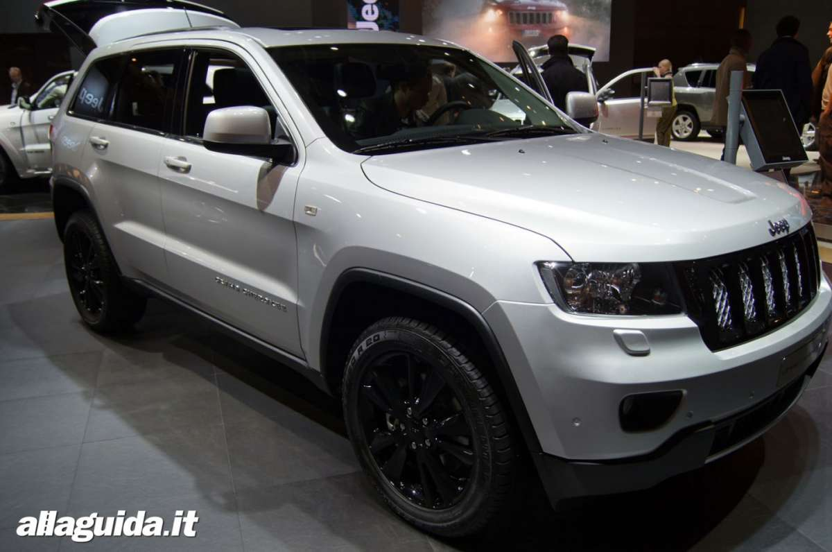 Jeep Grand Cherokee SRT-R, Salone di Parigi 2012 - 11
