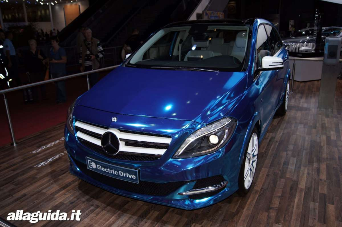Mercedes Classe B Electric Drive, Salone di Parigi 2012 - 02