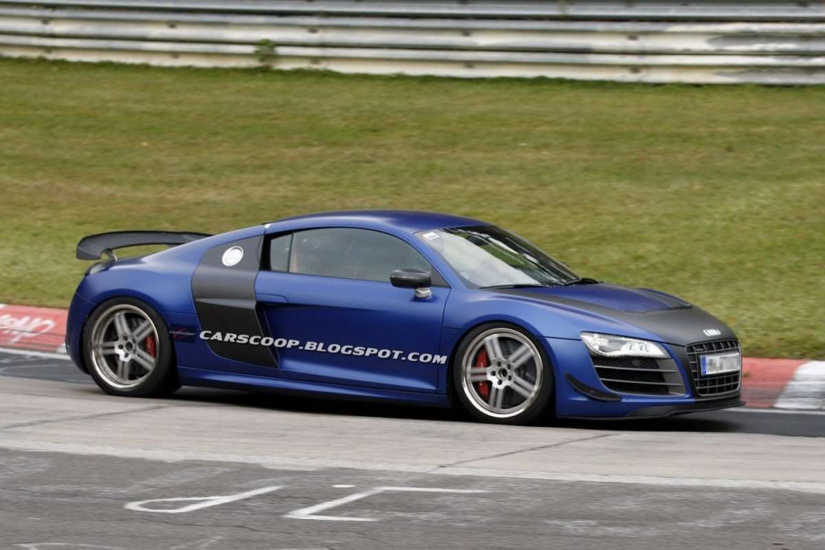 Audi R8 GT modificata vista laterale