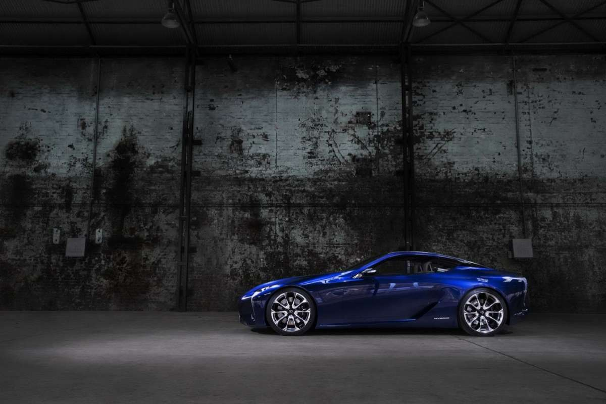 Lexus LF-LC BLUE laterale