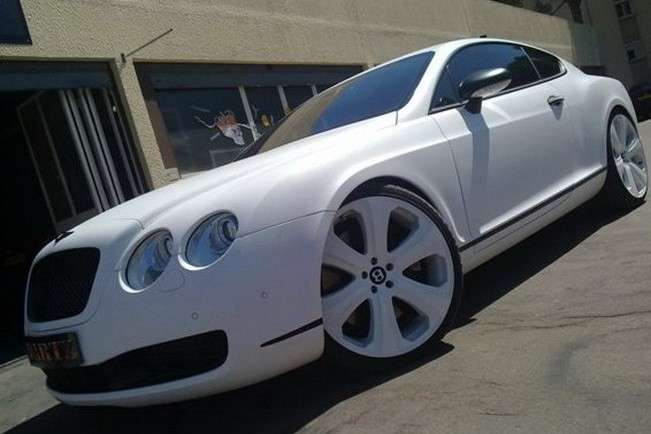 Bentley Continental GT SS in pelle di serpente anteriore