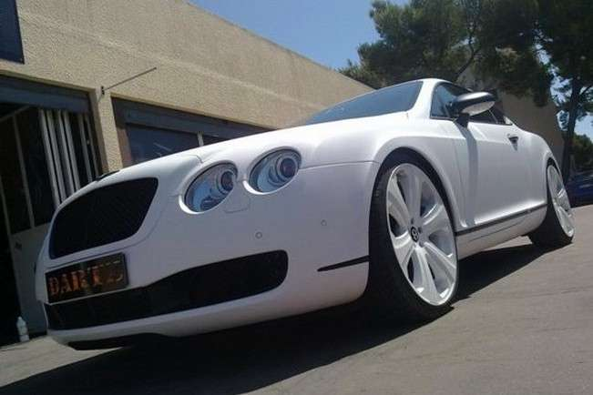 Bentley Continental GT SS in pelle di serpente bianca