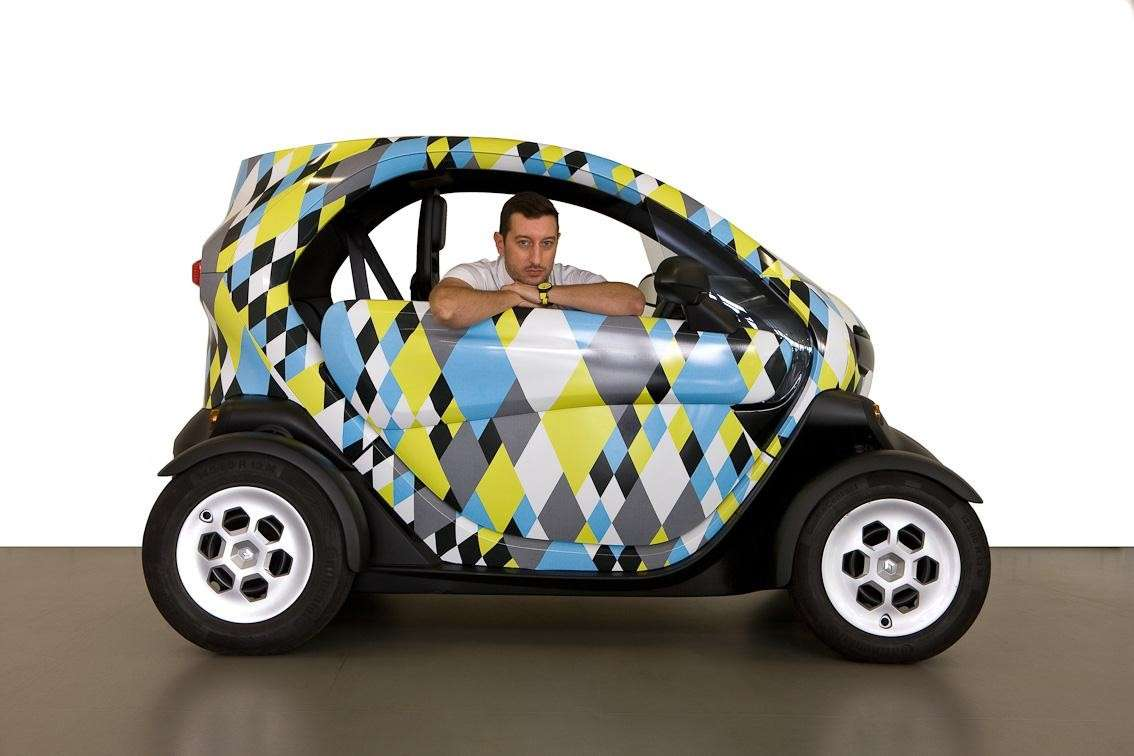 Renault Twizy Picasso Edition fiancata