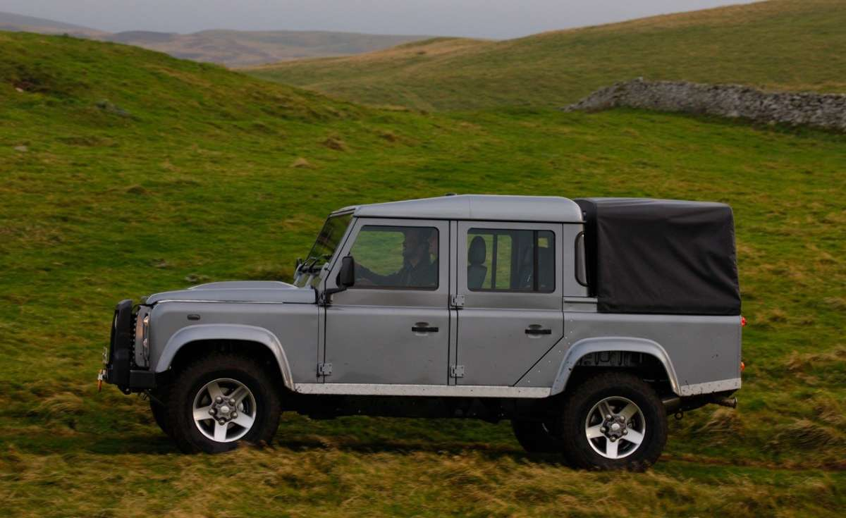 Land Rover Defender Pick Up laterale (2)