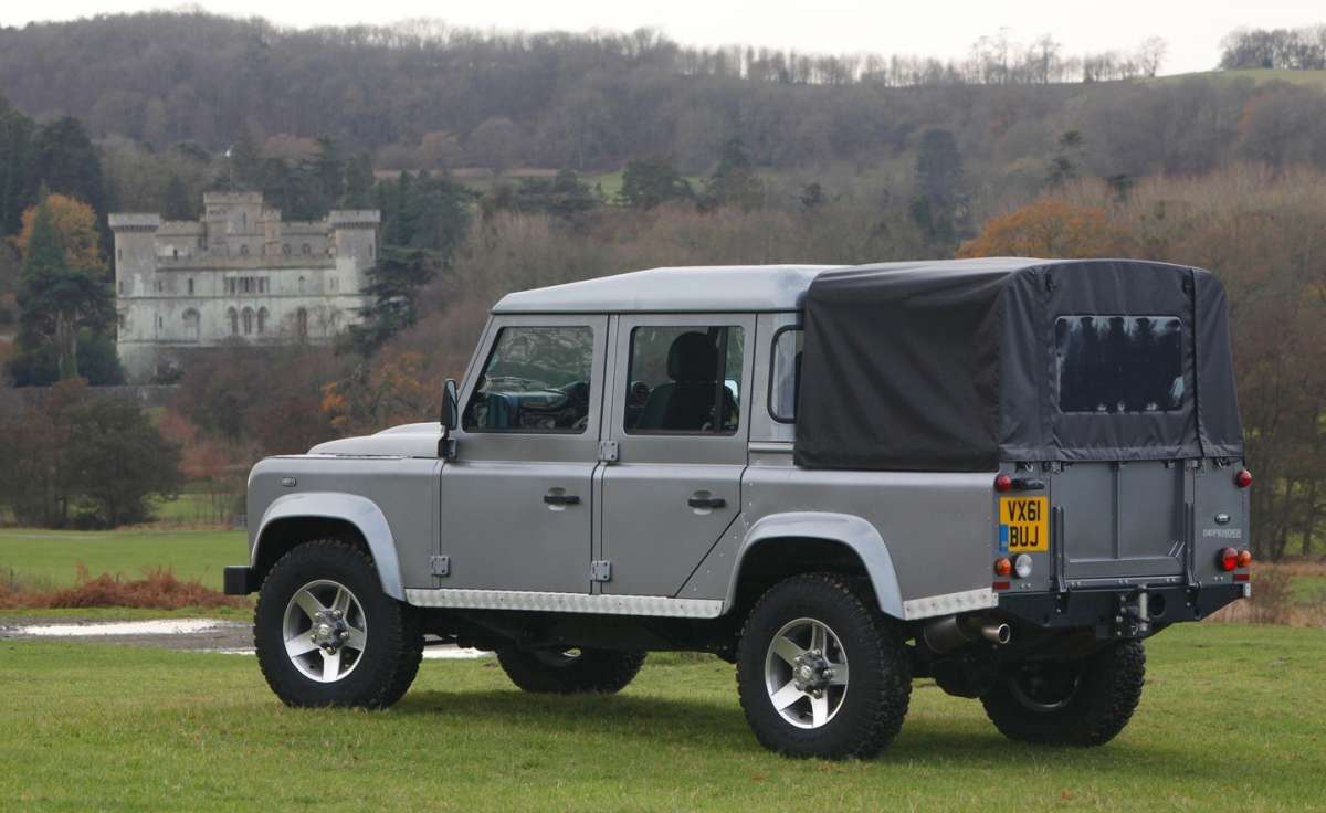 Land Rover Defender Pick Up laterale