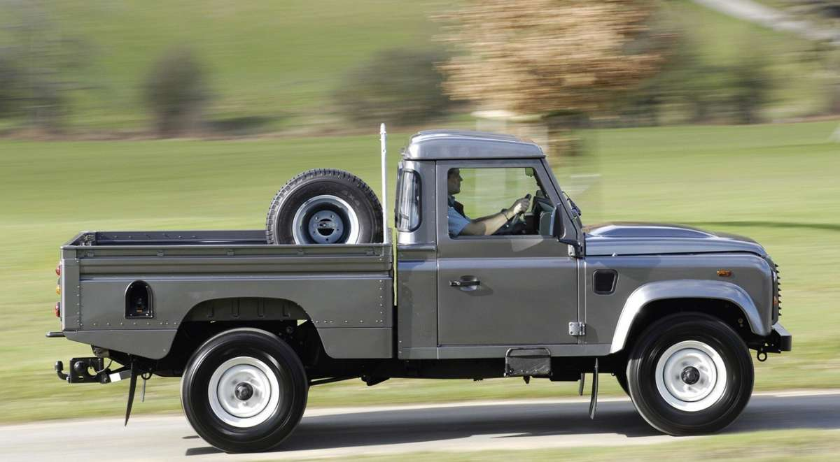 Land Rover Defender Pick Up fiancata