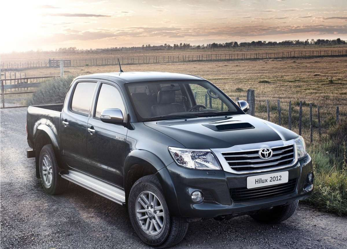 Toyota Hilux 2012 frontale (2)