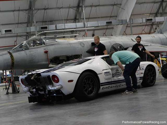 Ford GT Performance Power Racing laterale