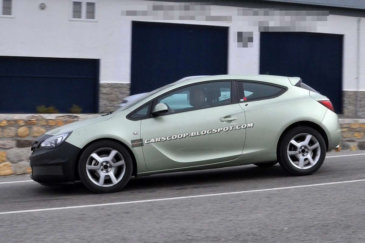 Opel Astra GTC 2013 restyling