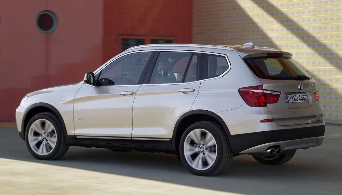 Bmw X3 2012 laterale posteriore