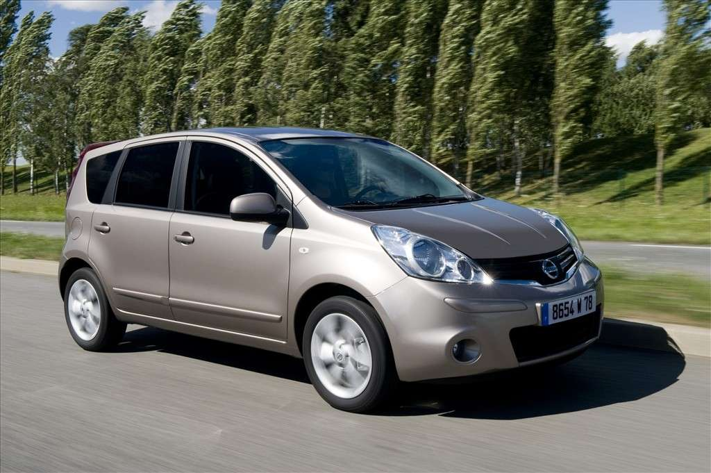 Nissan Note 2012 laterale anteriore