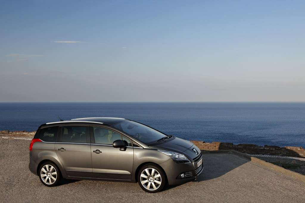 Peugeot 5008 2012 laterale
