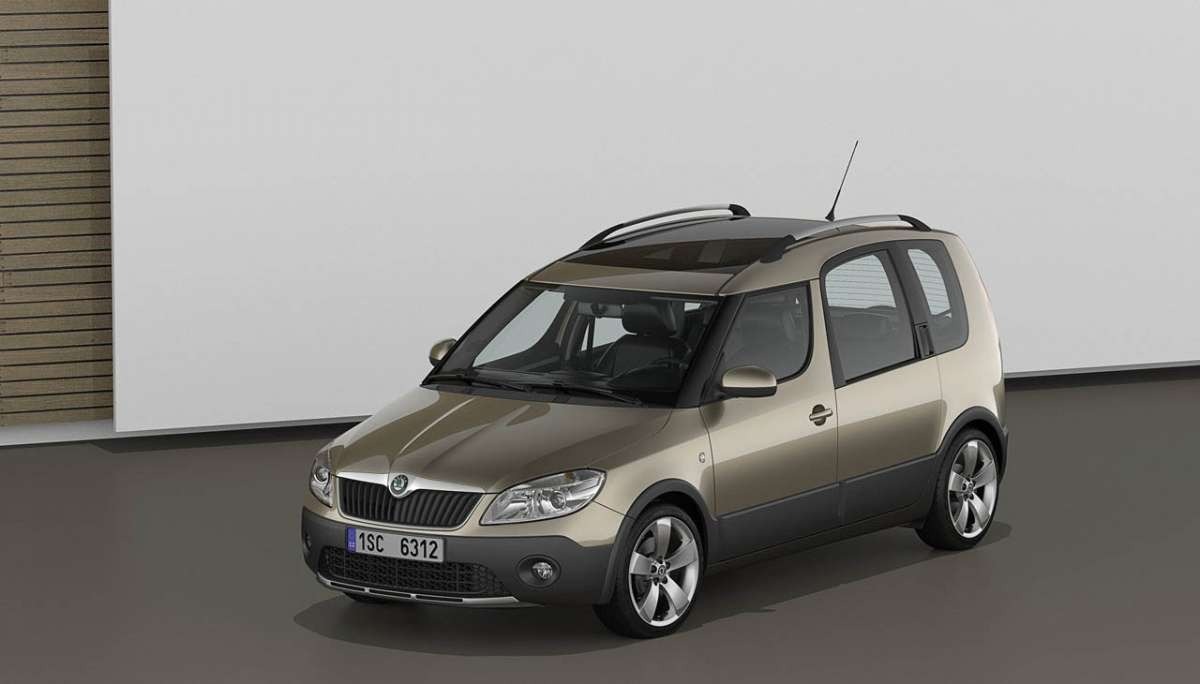 Skoda Roomster 2012 Scout anteriore