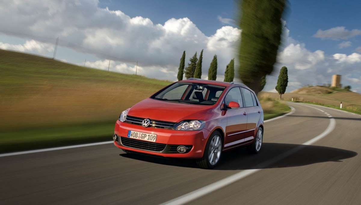 Volkswagen Golf Plus 2012 cofano