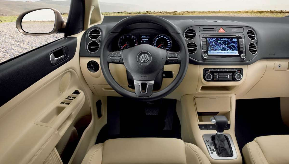 Volkswagen Golf Plus 2012 dentro