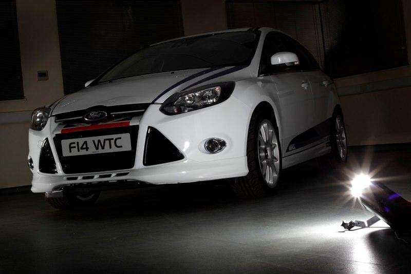 Ford Focus WTCC Limited Edition frontale (7)