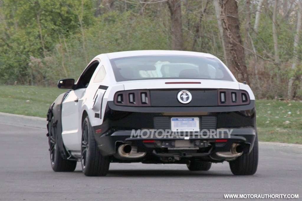 Ford Mustang 2014 posteriore