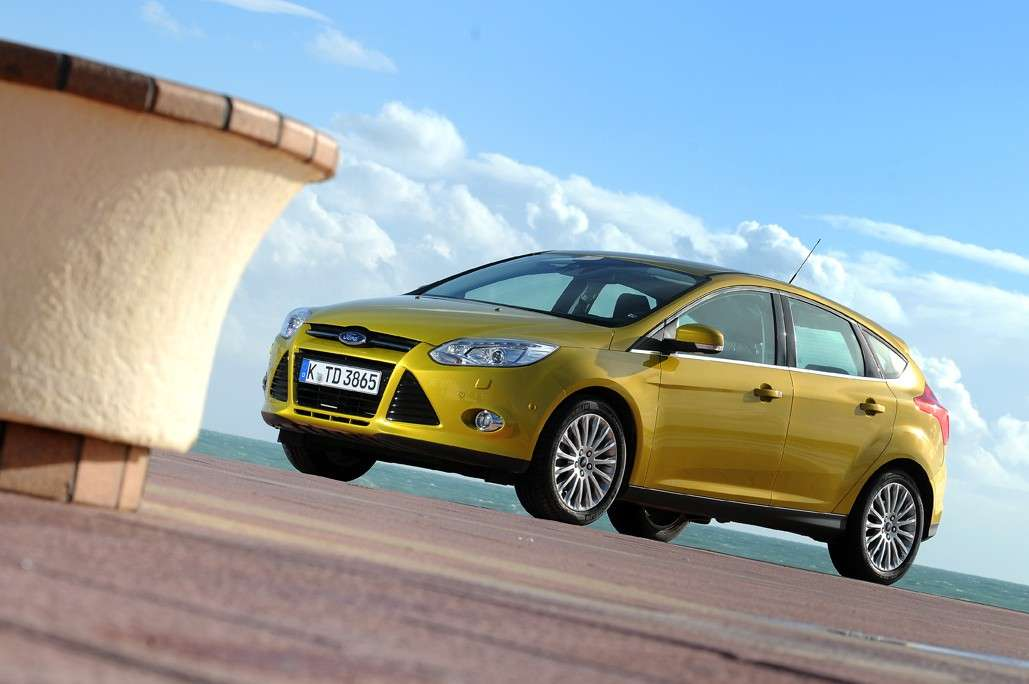 Ford Focus 2011 frontale (4)
