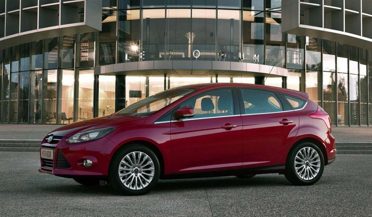 Ford Focus 2011 laterale