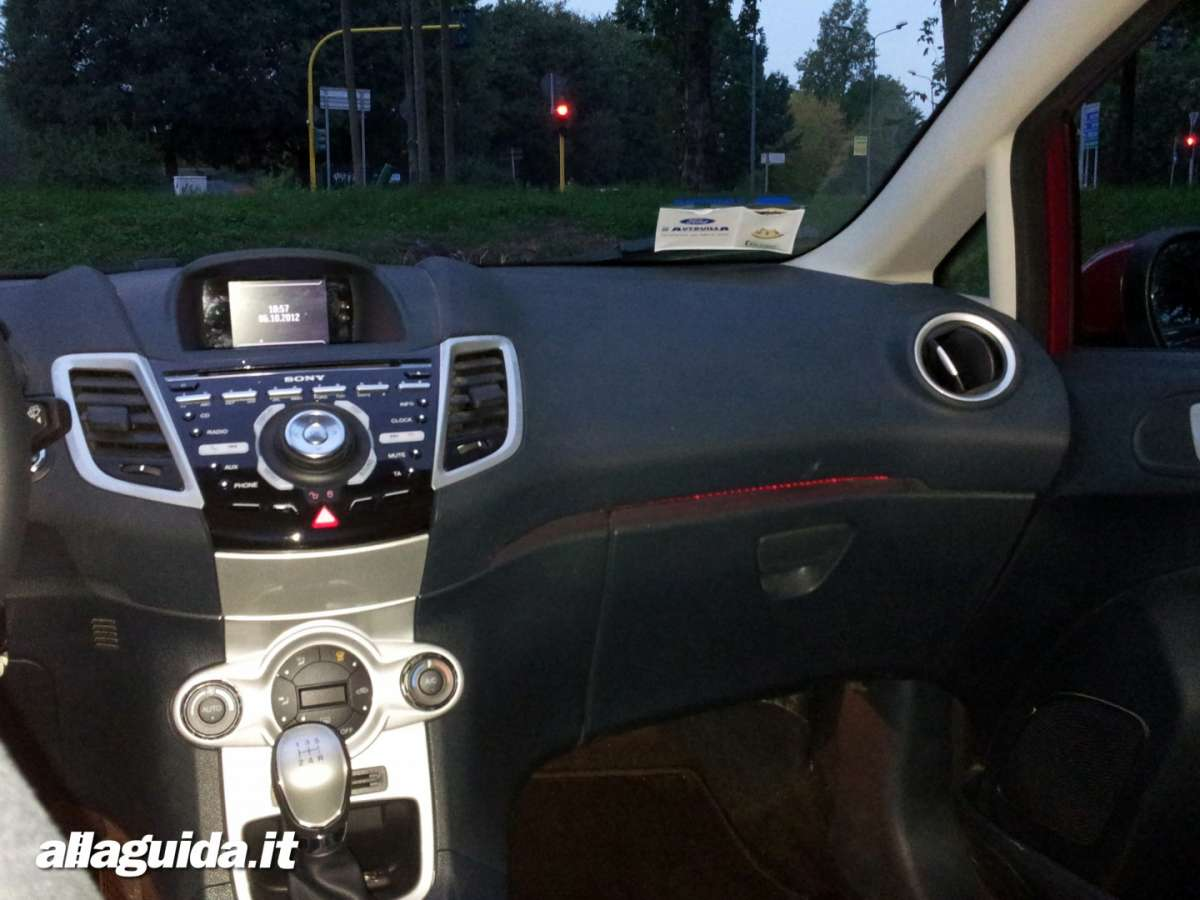 Ford Fiesta, interni auto