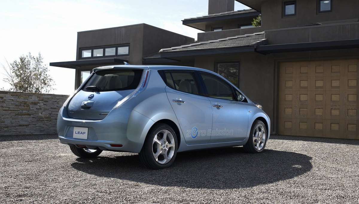 Nissan Leaf laterale posteriore destra