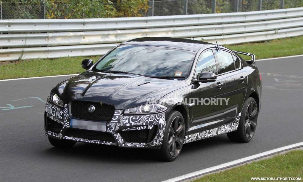 Jaguar XFR-S-spy laterale anteriore sinistra