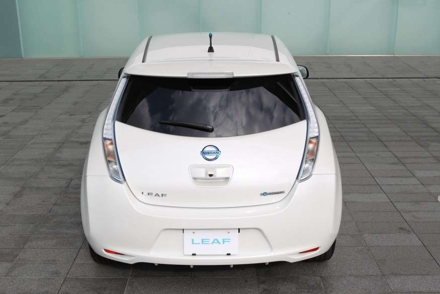 Nissan Leaf 2013-posteriore