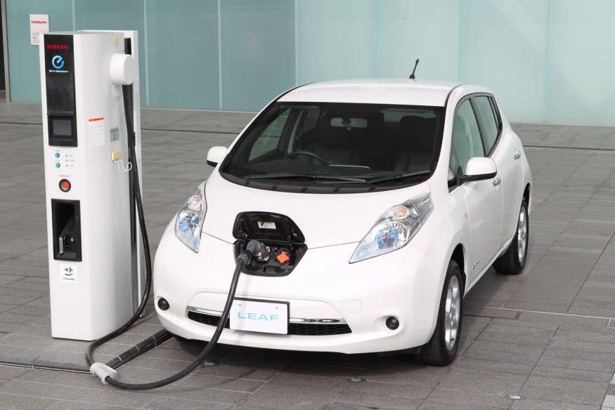 Nissan Leaf 2013-frontale