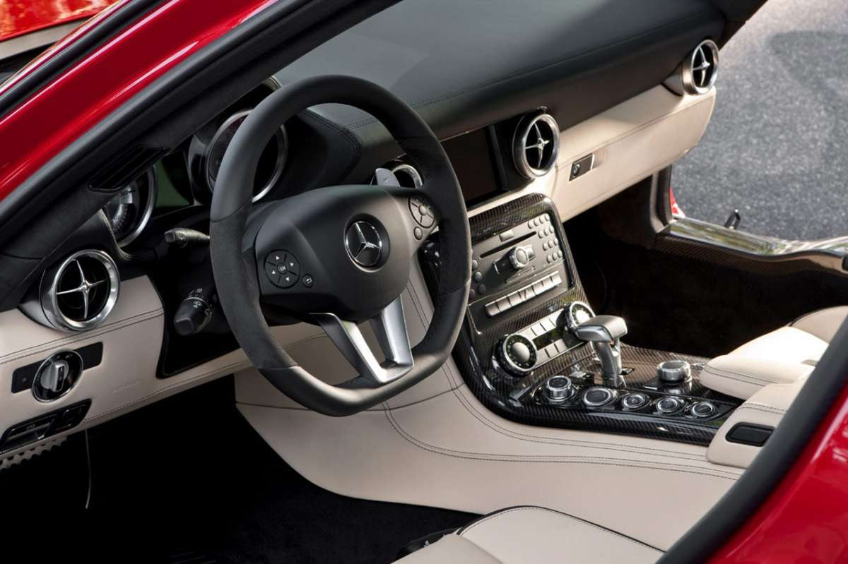 Mercedes SLS AMG interni