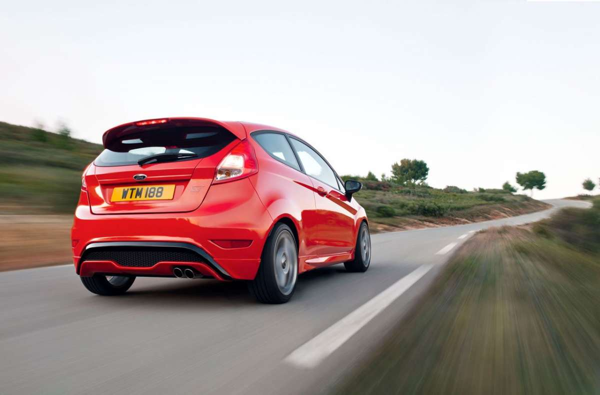 Ford Fiesta ST-posteriore