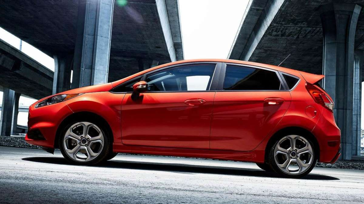 Ford Fiesta ST-laterale sinistra