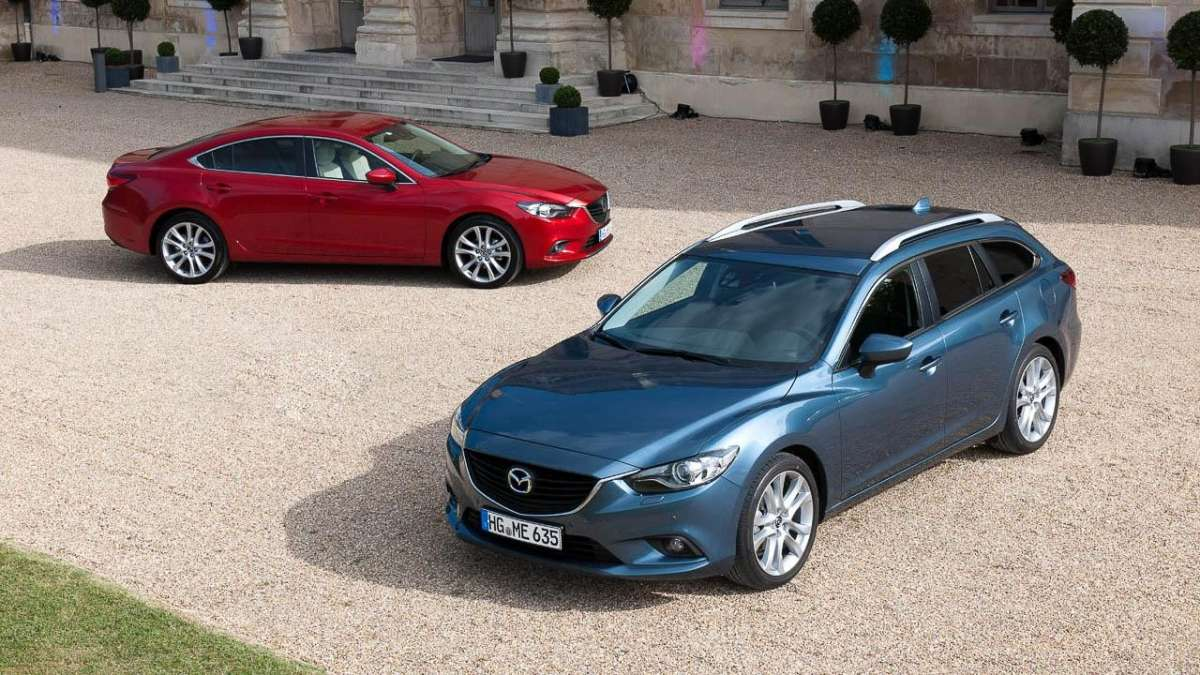 Mazda 6 Wagon-station e sedan dall'alto
