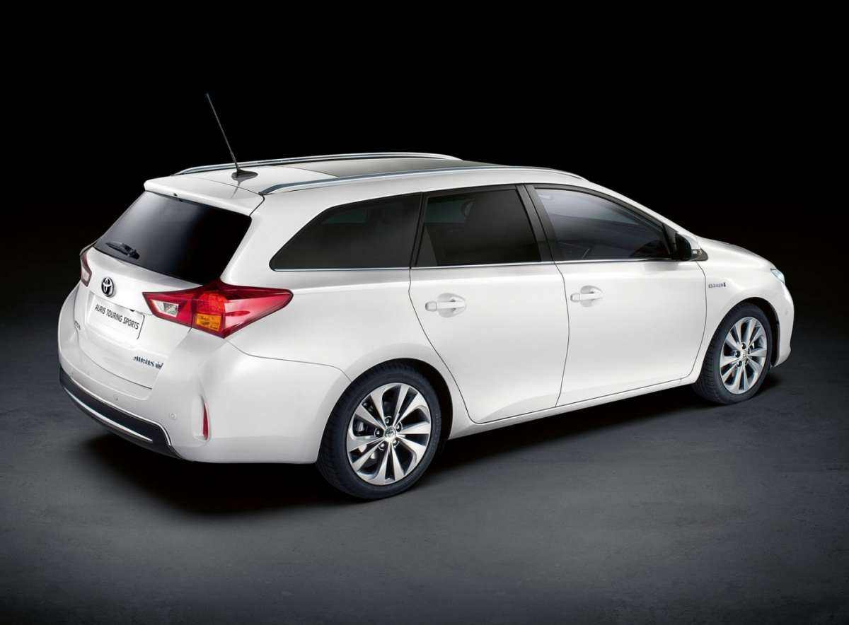 Toyota Auris Touring Sports, tre quarti posteriore