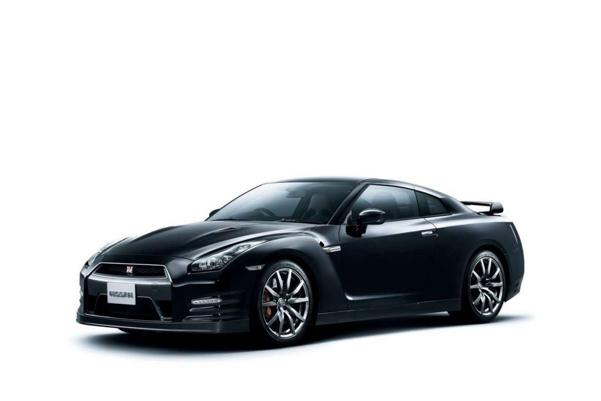 nissan gt r my 2014 foto foto 5 8 allaguida. Black Bedroom Furniture Sets. Home Design Ideas