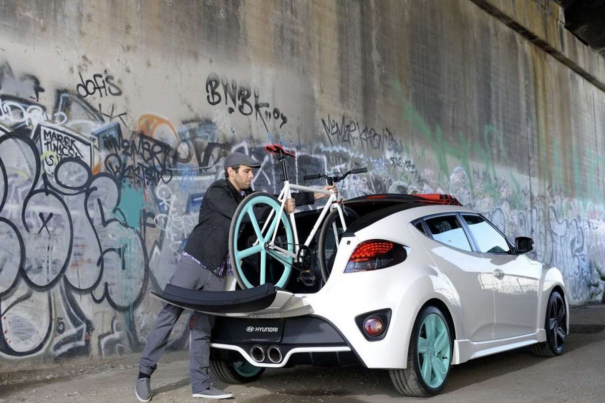 Hyundai Veloster C3 Roll Top retro