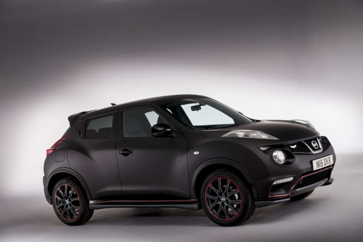Nissan Juke Nismo Batman Edition laterale