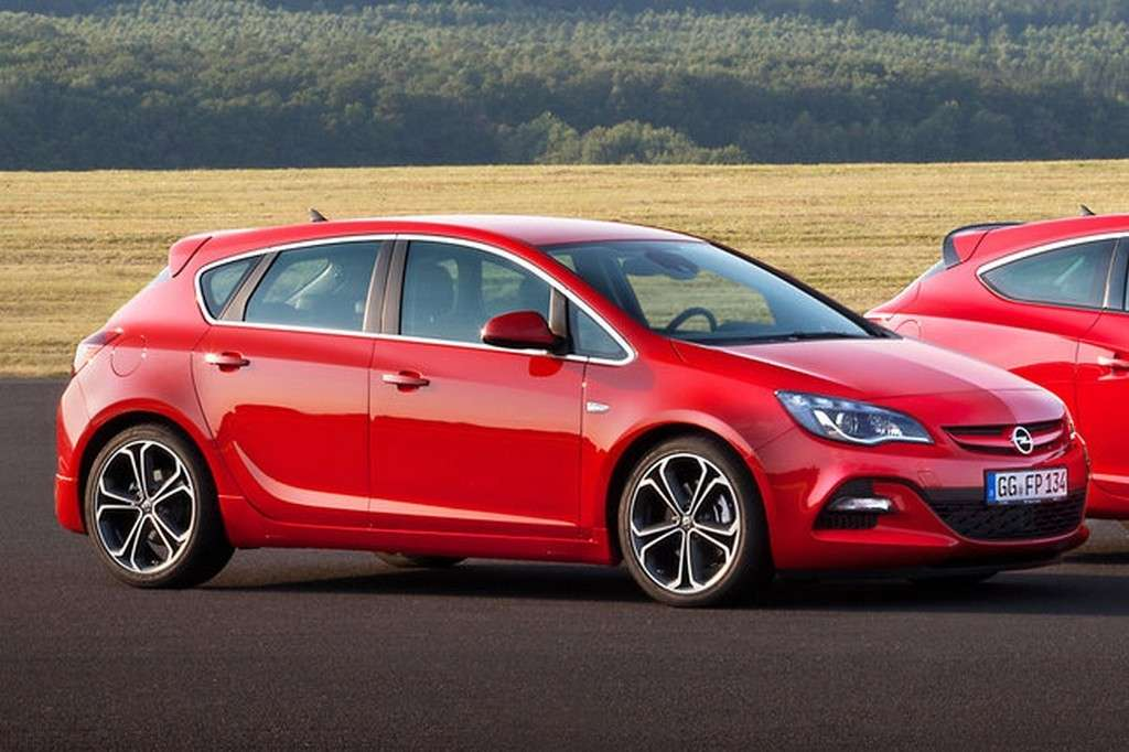 Opel Astra 2013 laterale
